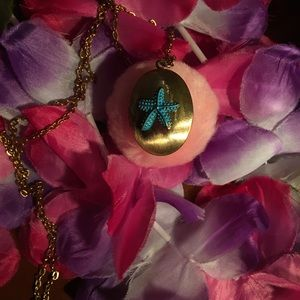 Jewelry - Blue starfish gold locket necklace